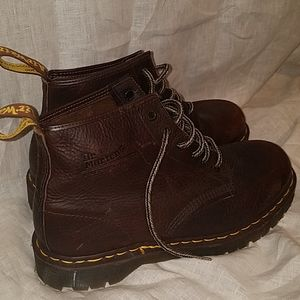 DR MARTENS NEW boot